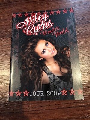 MILEY-CYRUS-2009-WONDER-WORLD-TOUR-CONCERT-PROGRAM